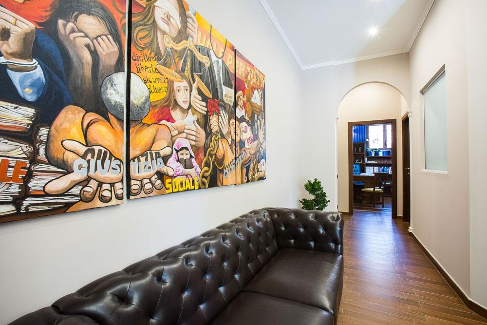 Arredo studio legale ank luca casonato interni studio for Arredamento studio legale moderno